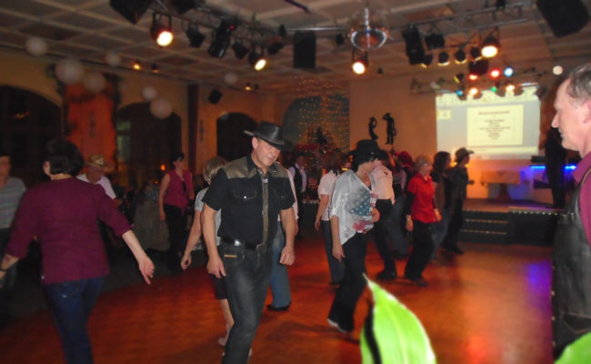 16.LinedanceParty_GLDs10