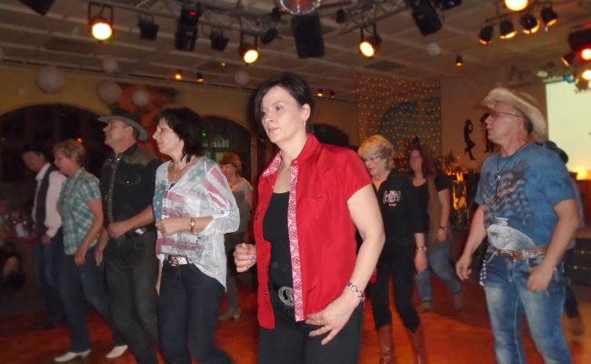 16.LinedanceParty_GLDs3